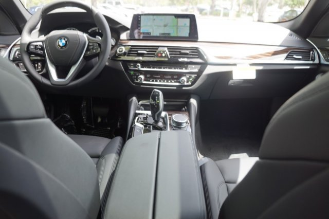 New 2018 BMW 5 Series 530e iPerformance
