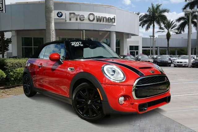 Pre-Owned 2017 MINI Cooper S Base
